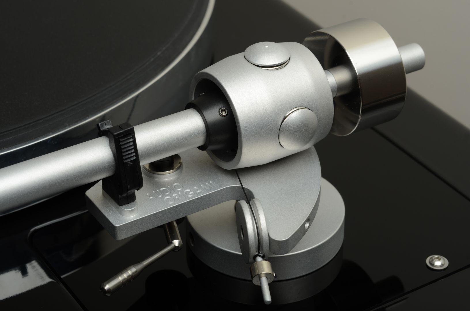 Audio Origami PU7 Silver Mat Finish Closeup